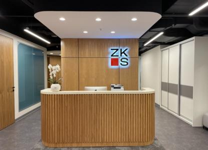 ZKS – новая стратегия, новый стиль