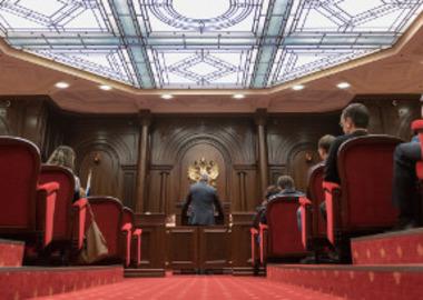 Из защитника в свидетели: КС разберется с допросами адвокатов