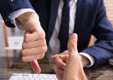 Право на мнение: адвокатам разрешили комментировать дела коллег