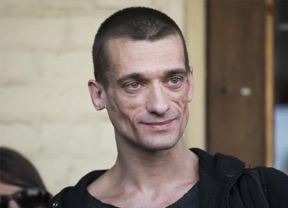 Суд отказался менять наказание художнику Павленскому за поджог двери ФСБ