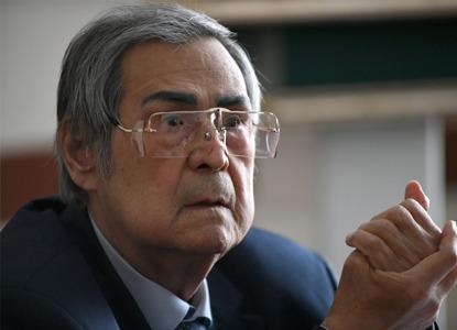 Тулеев ушел в отставку с поста губернатора Кемеровской области
