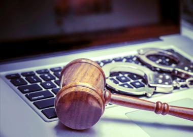 Право на защиту и смягчающие обстоятельства: обзор практики Мосгорсуда