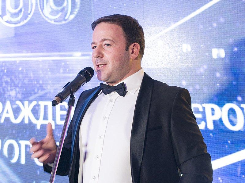 Главный редактор портала «Право.ru» Борис Болтянский открывает торжественную церемонию «Право.ru-300» в отеле Ritz Carlton.