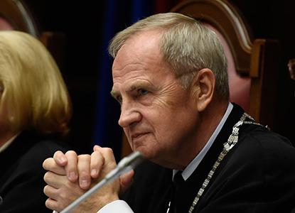Глава КС Зорькин допустил изменения в Конституцию