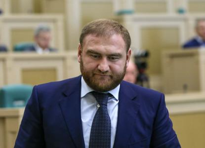 Сенатора Арашукова задержали в Совете Федерации по делу об убийстве