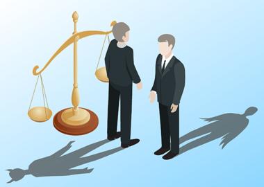 «Выиграем любое дело»: как юристы обманывают клиентов